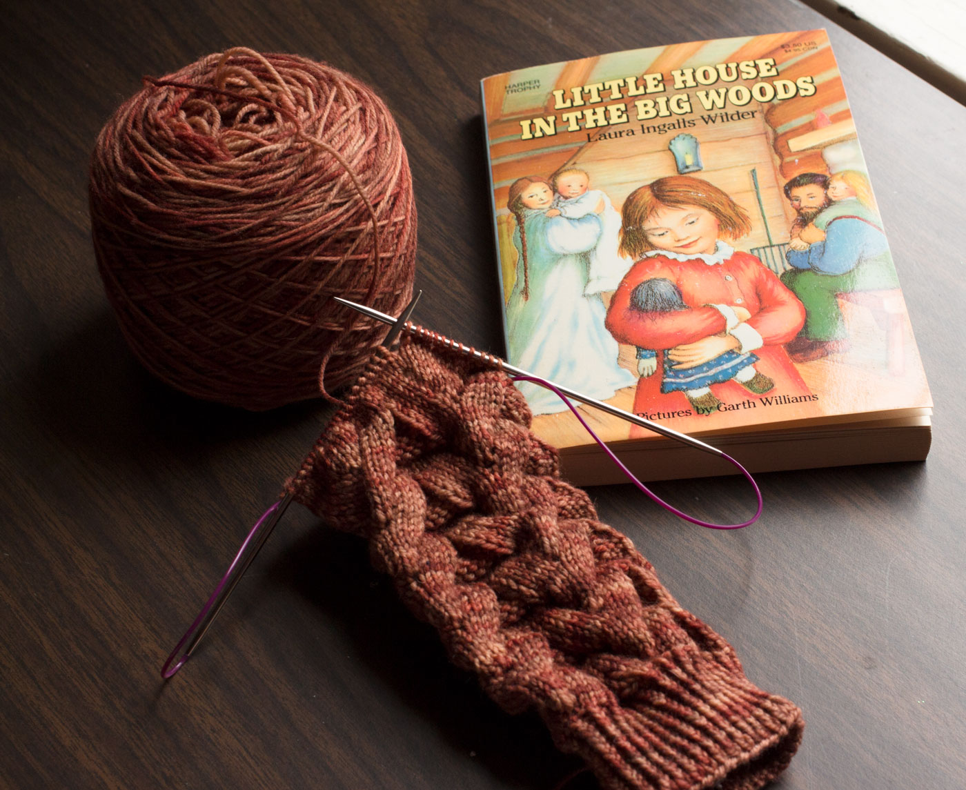 Yarn Along, Dec. 9, 2015 - Little Red Farmstead